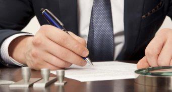 ¿Cual es la Diferencia entre un Abogado y Notario Público en Honduras?