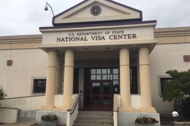 Obtener los documentos solicitados por el national visa for National passport processing center